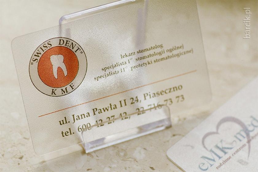 Karty plastik przeźroczyste PCV 0,5 mm, druk jednostronny z białym poddrukiem, 85 x 55 mm zaokrąglone narożniki | barcik.pl