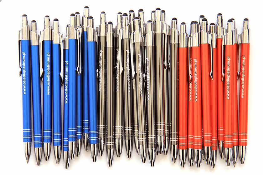 Metalowe długopisy z logo Twojej firmy będą idealnym upominkiem dla Klientów
