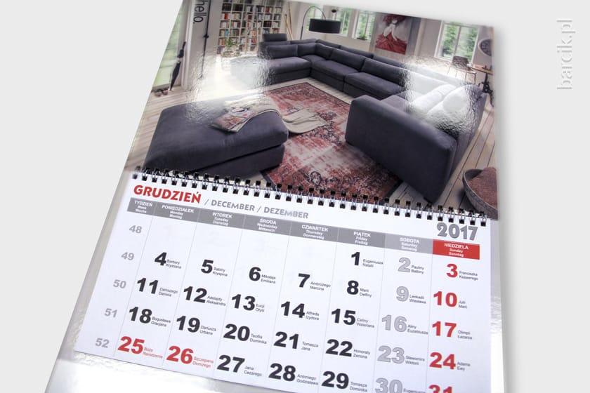 Kalendarz trójdzielny spiralowany z wypukłą foliowaną błyszczącą główką
