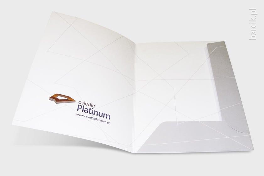 Teczka firmowa druk offsetowy dwustronny na kredzie mat 350g, CMYK 4+4, foliowana dwustronnie, grzbiet 5 mm