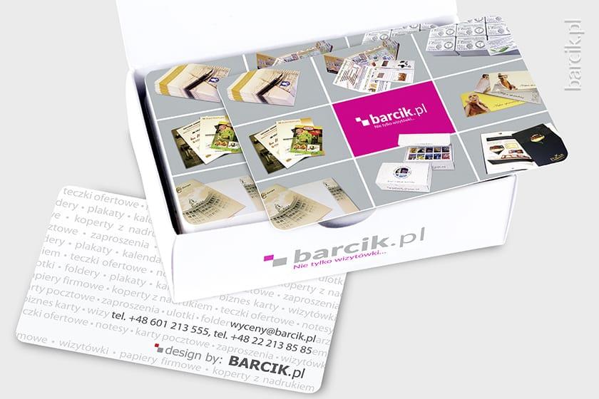 wizytówki z zaokrąglonymi rogami, wielkość karty kredytowej, dwustronnie foliowane